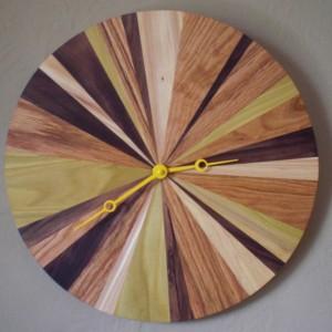Happy Bungalow Five Grain Clock