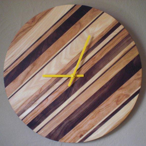 Happy Bungalow Strip Clock