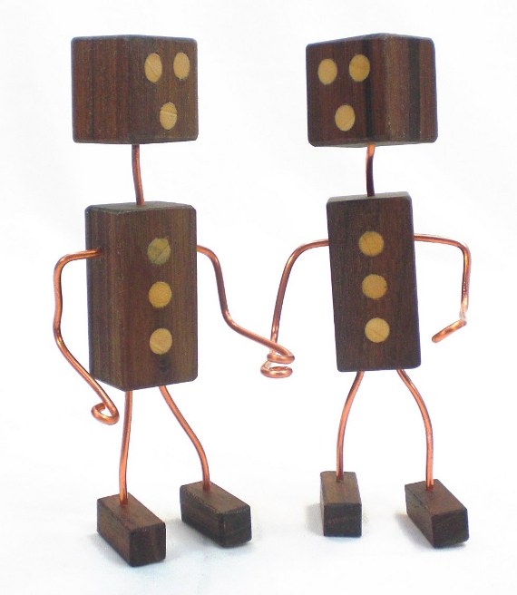 Happy-Bungalow-Wood-Robots-alt006-570