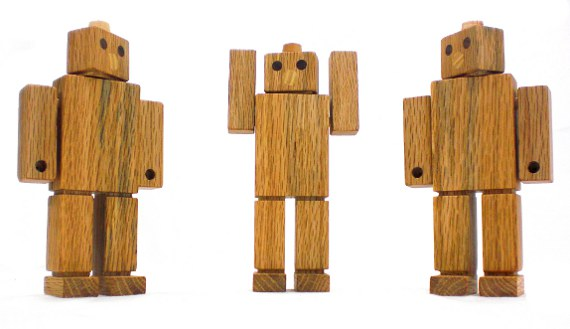Happy-Bungalow-toy-robot-kids-toy-wood-red-oak-GUARD-BOT-alt006-570