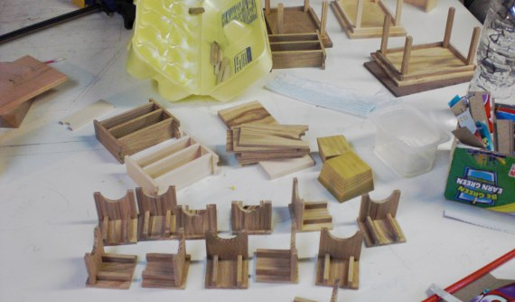 Happy-Bungalow-wood-dollhouse-furniture-minature-process-alt005-570