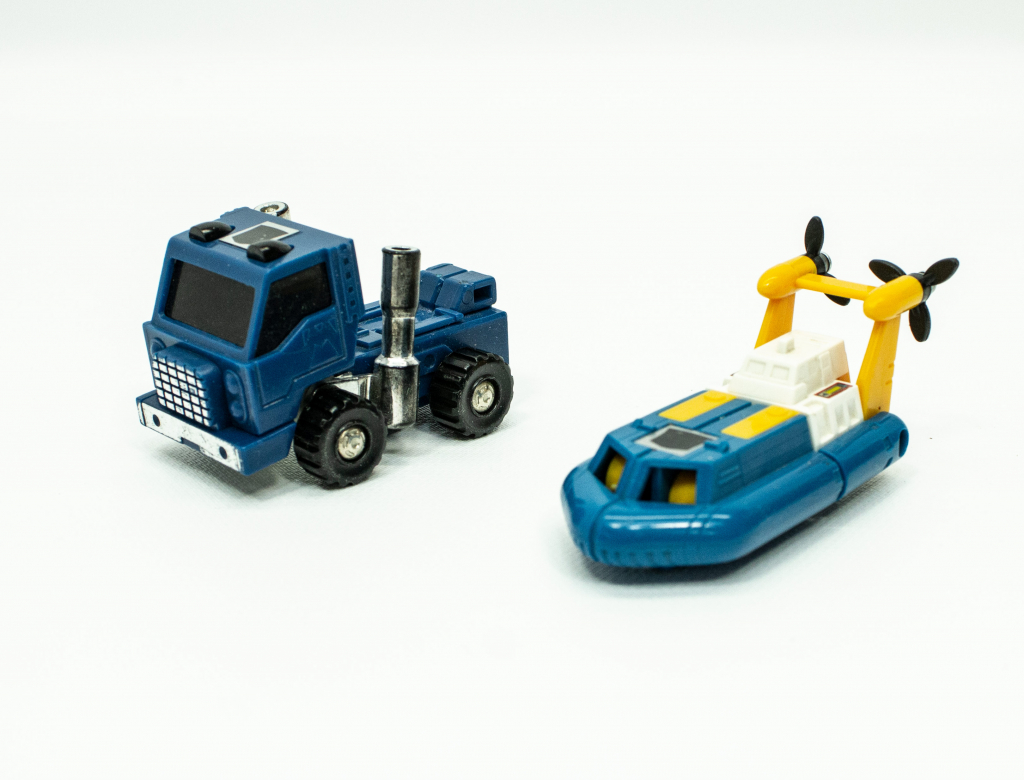 G1 Transformer toys Huffer and Seaspray